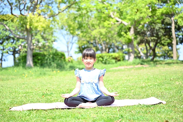 キッズヨガ瞑想