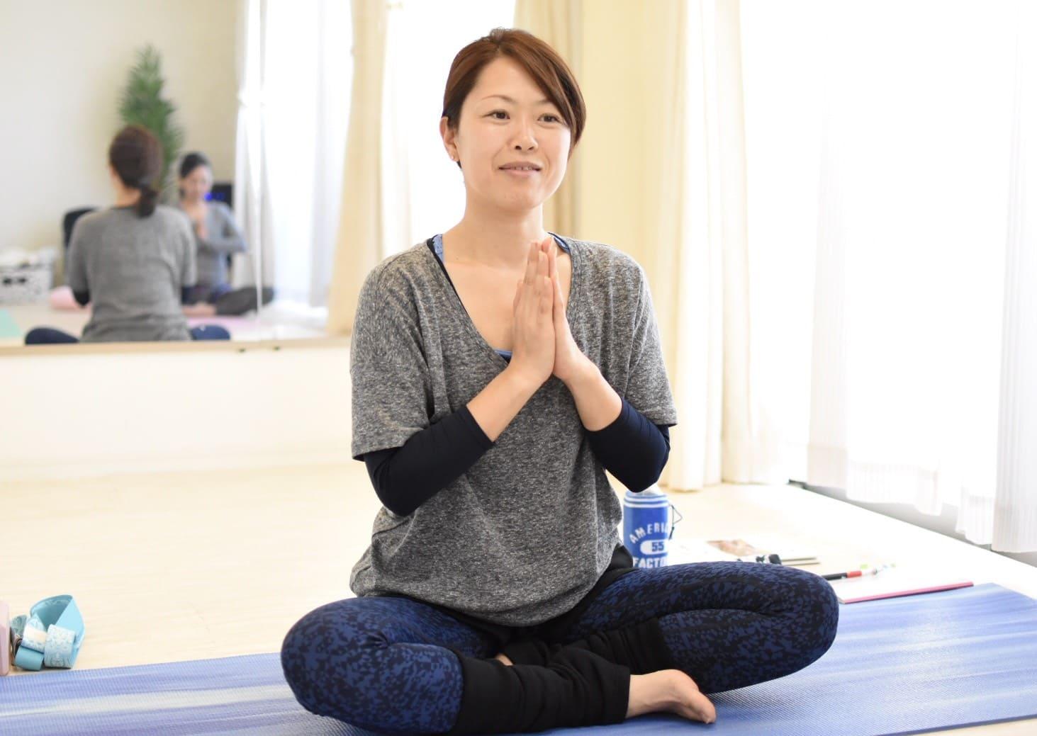 Rela yoga サークル